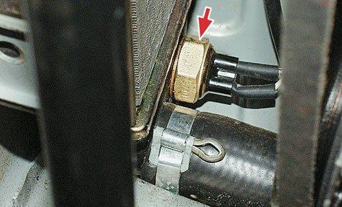 Датчик включения вентилятор системы охлаждения двигателя