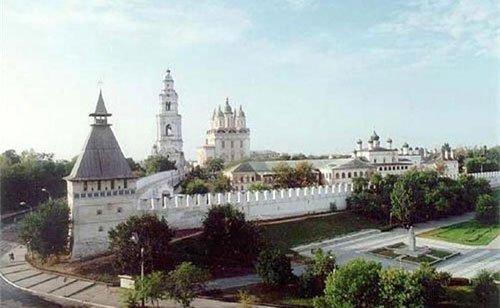 Вид на кремль в городе Астрахань