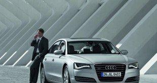 мужчина на Audi