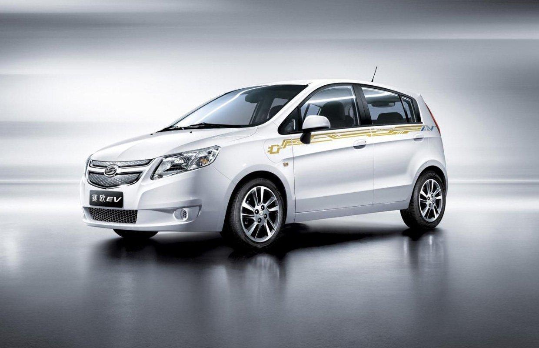 Первый электрический китайский автомобиль