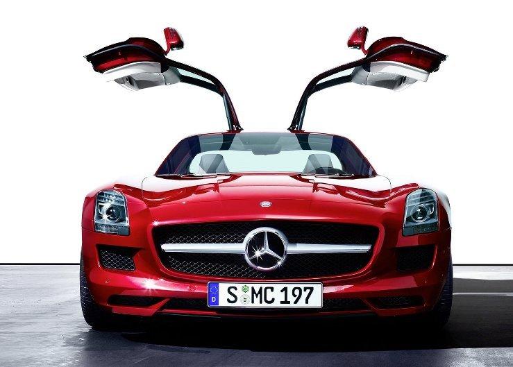 Спорткар Mercedes SLS