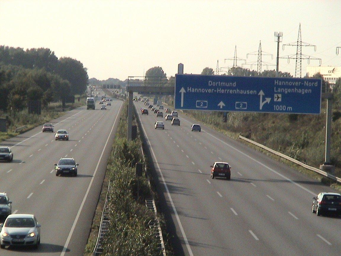 Автобан в Германии, дорожные указатели-таблички