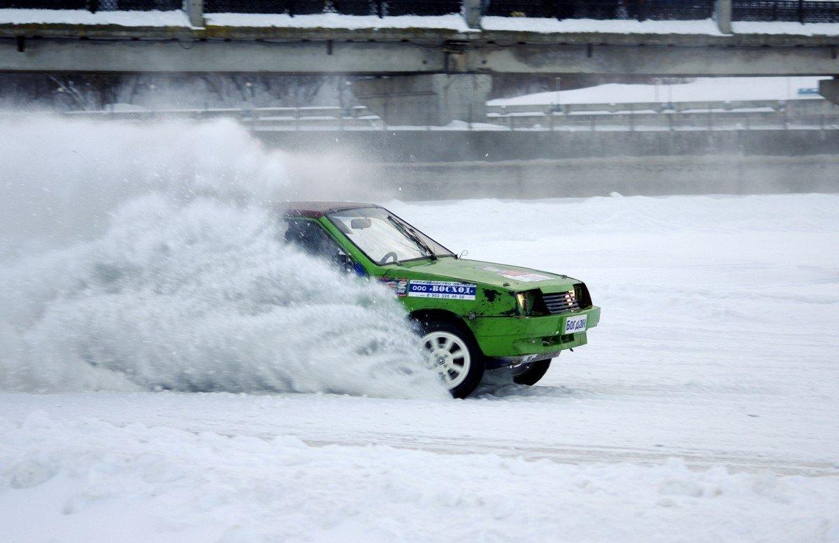 Кольцевые гонки на льду
