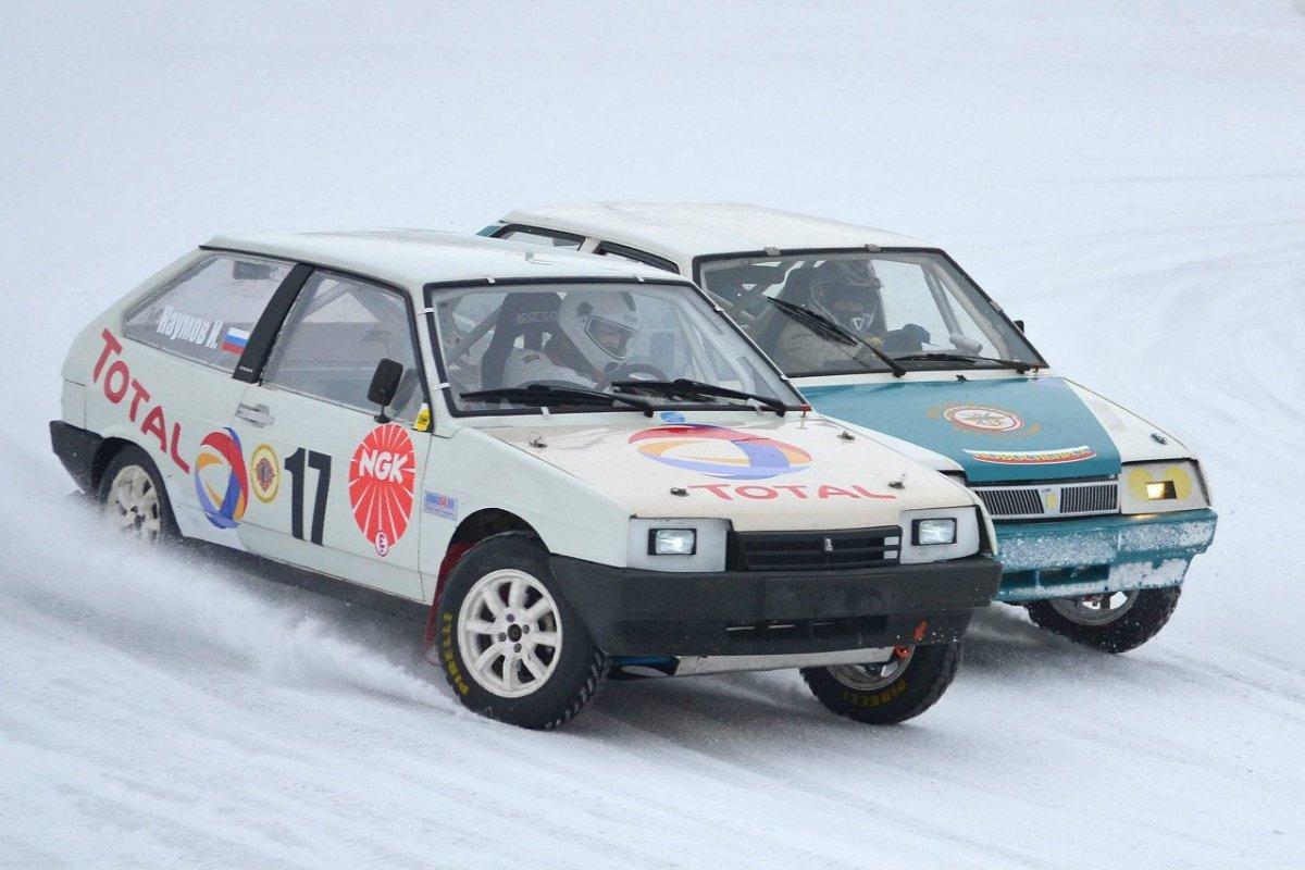 Ипподромные трековые гонки в России