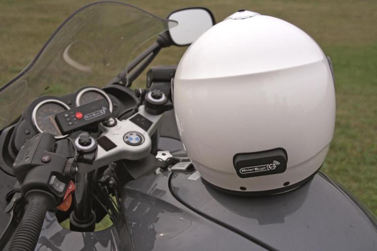 Абонентское оборудование Rider ECall, установленное на мотоцикл