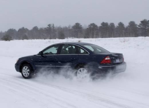 Разгон переднеприводного авто на снегу
