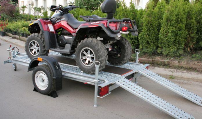 Легковой прицеп для транспортировки квадроциклов