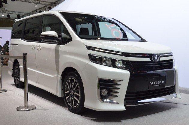 Toyota VOXY, 2014 год
