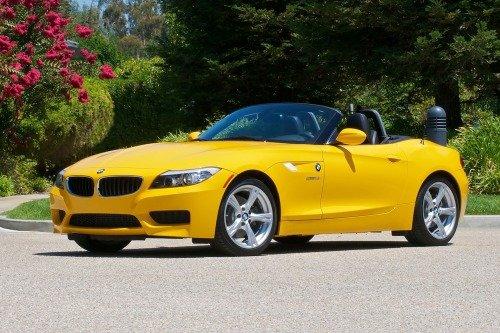 Кабриолет BMW Z4, цвет желтый