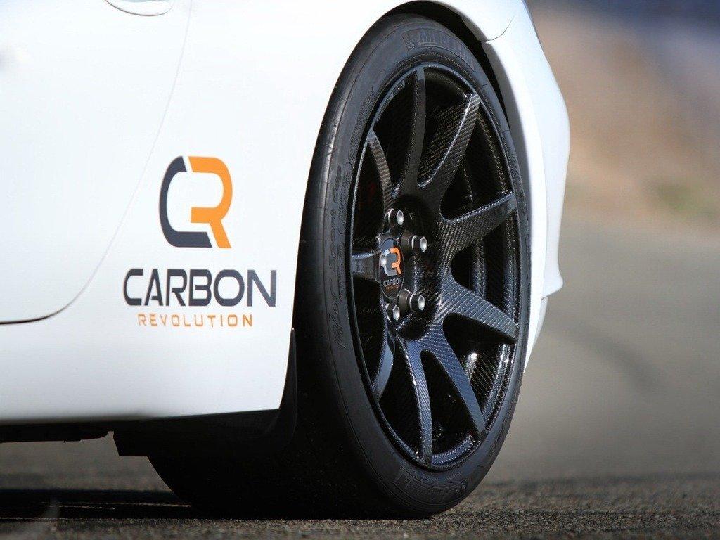 Колесный диск Carbon Revolution диаметром 19 дюймов