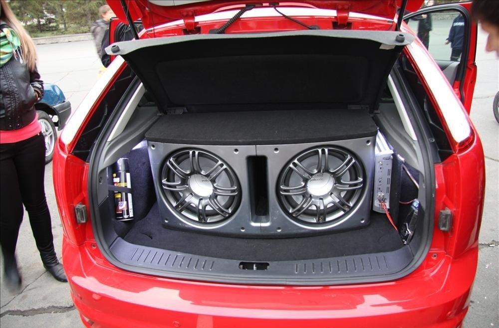 Музыка в машину. Что выбрать?