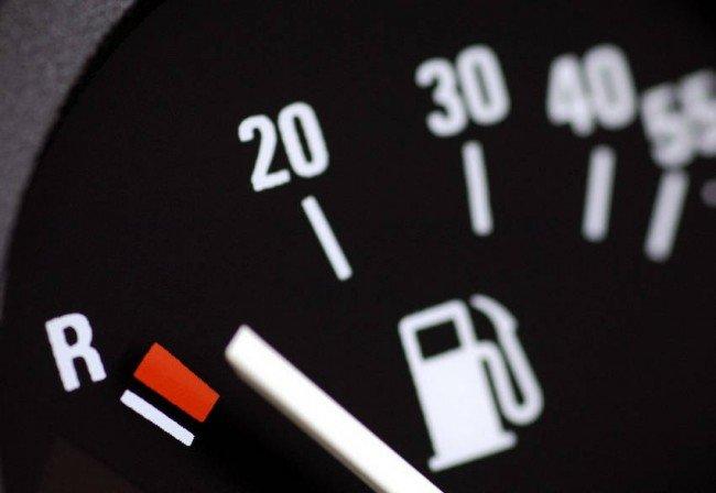 Индикатор количества топлива в баке