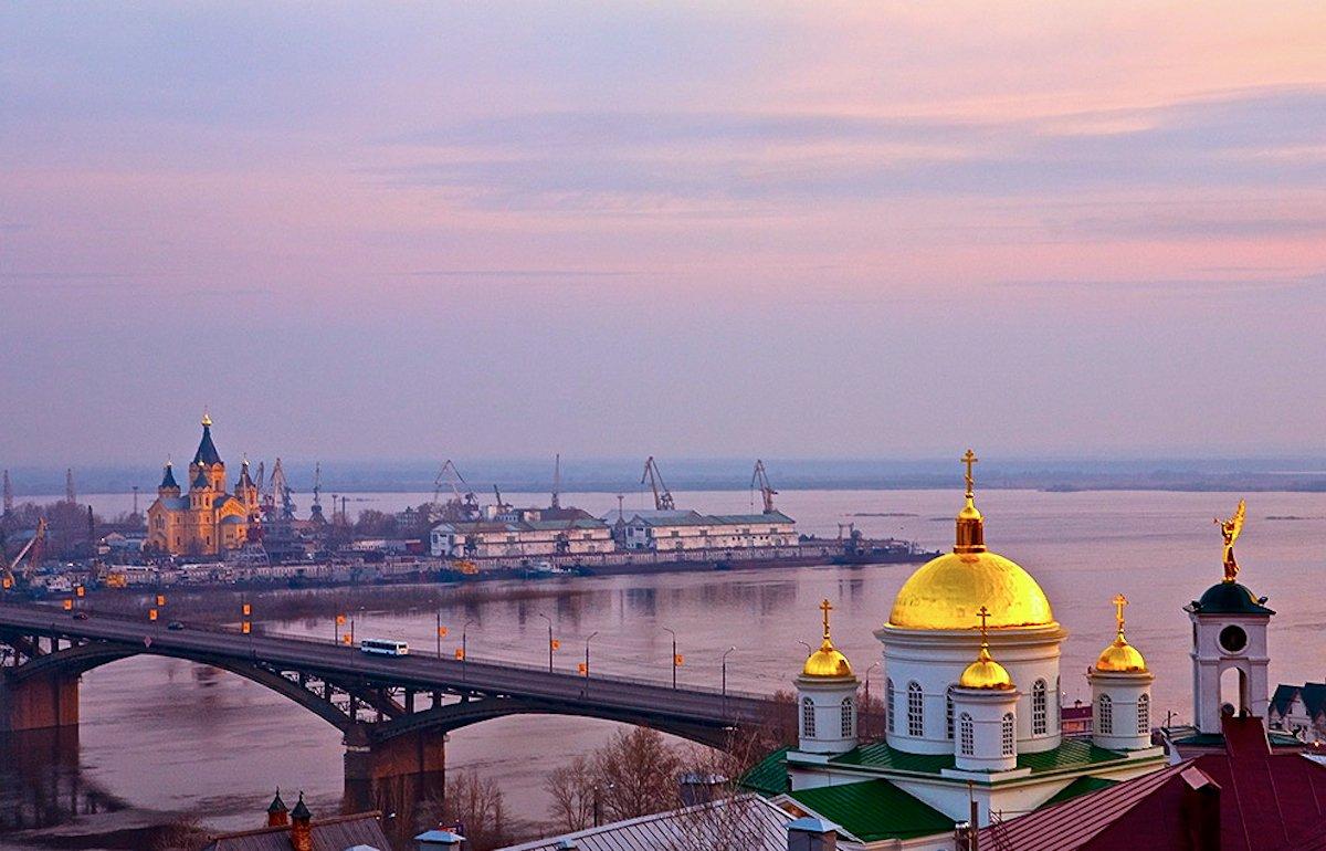 По Нижнему Новгороду