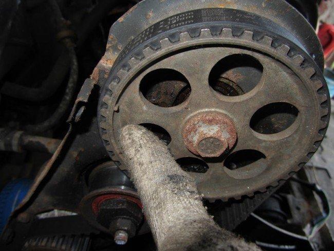 Метка распредвала на 8-клапанном моторе Приоры