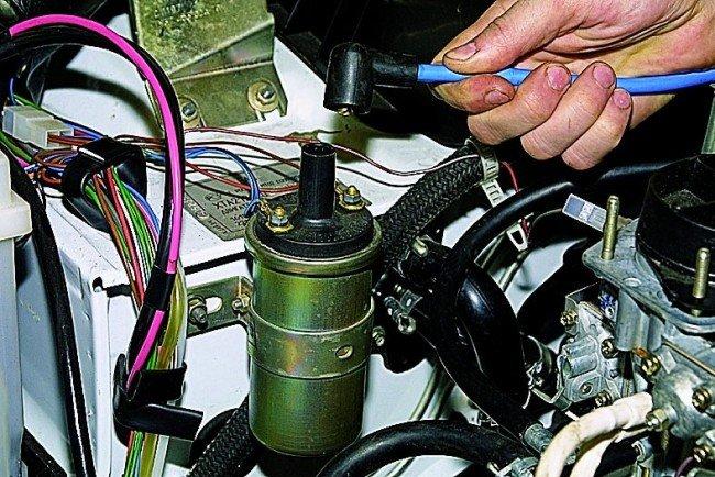 Снятие высоковольтного провода с катушки