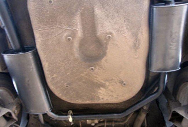 Раздвоенный глушитель на приоре, вид снизу