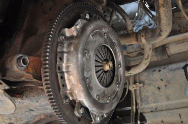 Ведомый и нажимной диски сцепления ВАЗ 2114