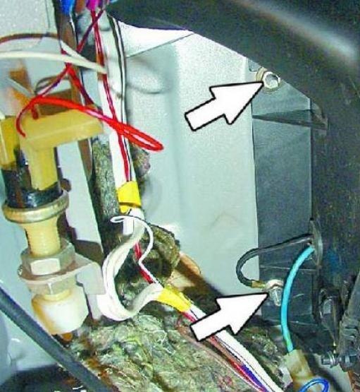 Болты крепления кожуха вентилятора на ВАЗ 2114