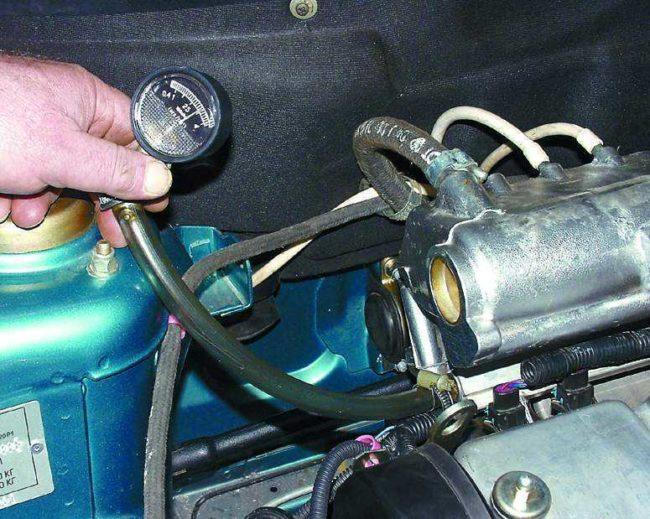 Измерение давления в топливной системе автомобиля