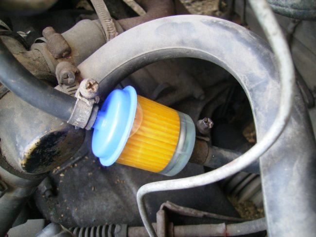 Фильтр очистки топлива на карбюраторных авто