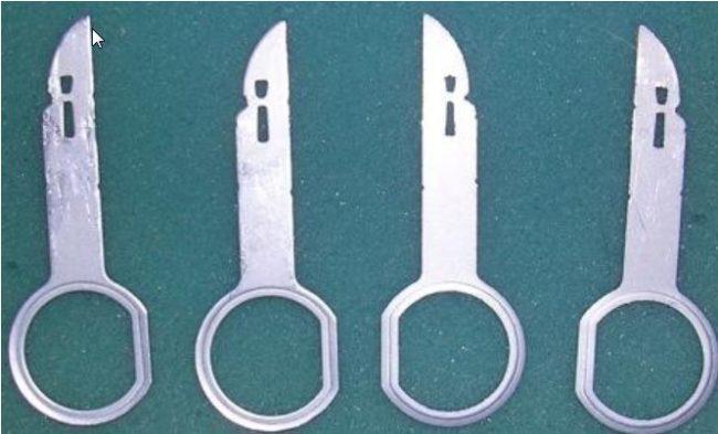 Набор ключей для демонтажа магнитолы