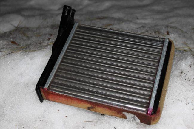 Демонтированный радиатор