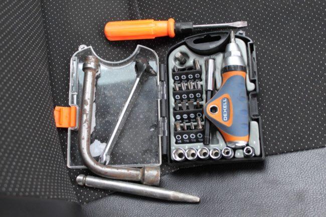 Инструмент для демонтажа радиатора
