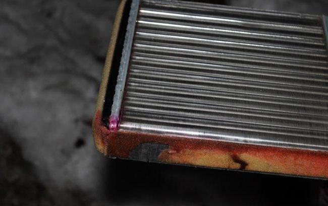 Подтёки ОЖ на радиаторе печки