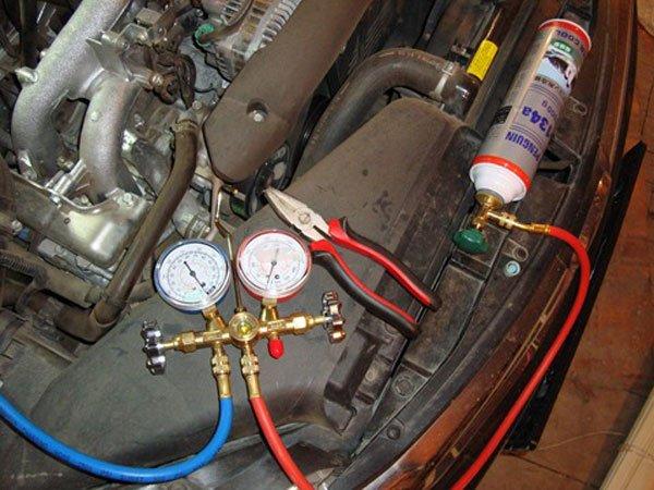 Подключение оборудования для заправки кондиционера
