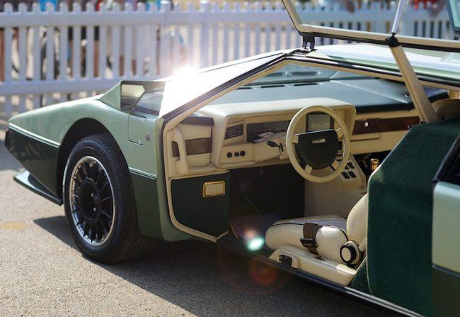 Aston Martin Bulldog — салон
