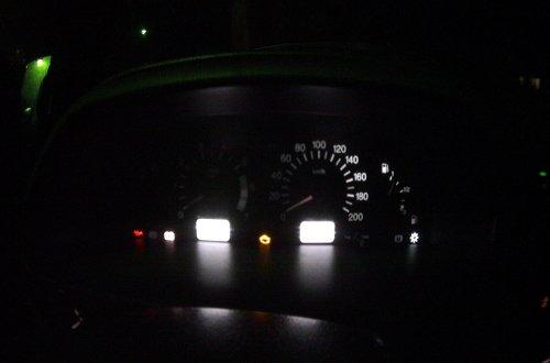 Приборная панель ВАЗ 2114 с перегоревшими лампами