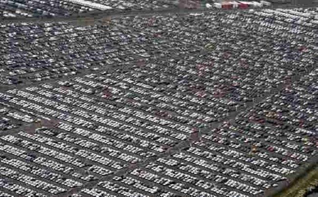 Кладбище новых автомобилей в Ширнессе