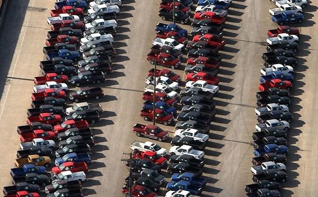 Кладбище новых автомобилей в детройте