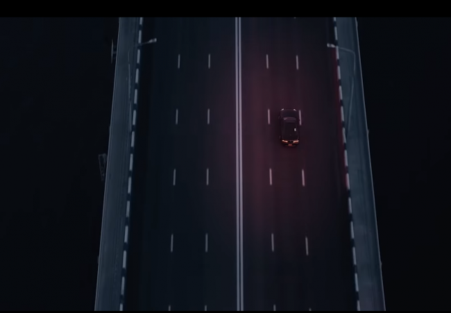 Кадр из клипа «Малинвый свет»