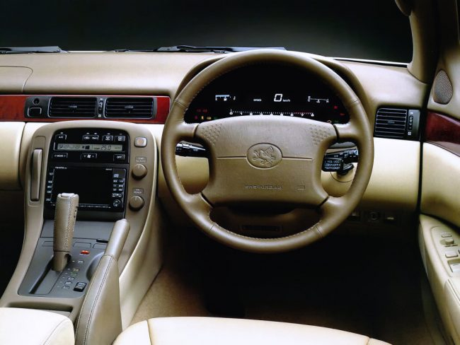 Салон Toyota Soarer