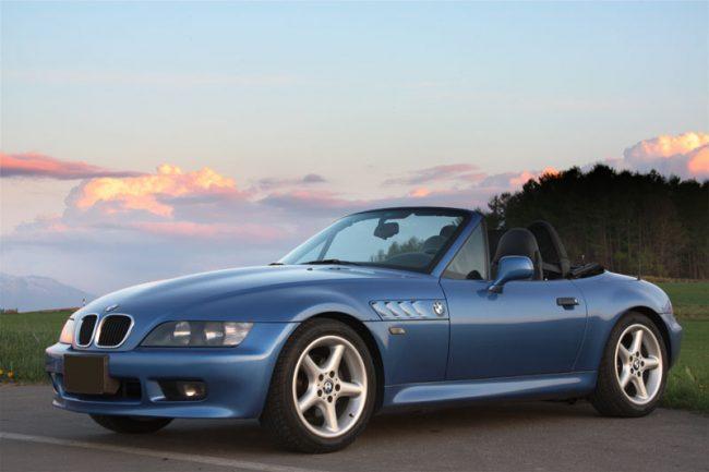 Спортивный пвтомобиль BMW Z3