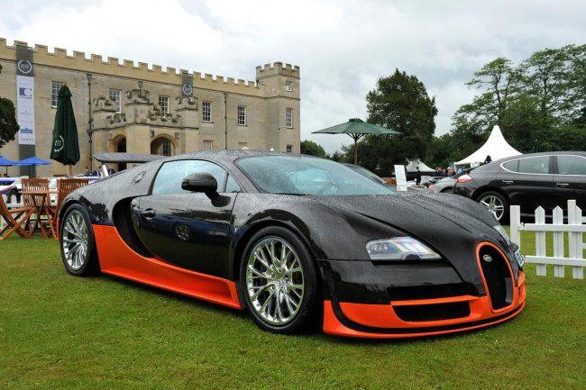Суперскоростной автомобиль Bugatti Veyron SS Replica