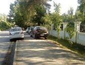 нахождение автомобиля на тротуаре