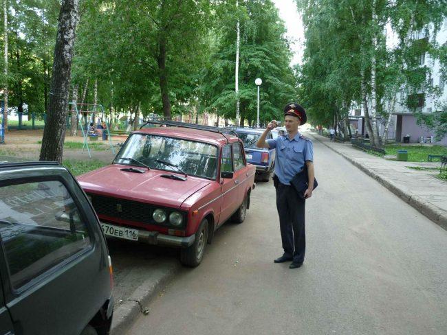 штраф на парковку на тротуаре