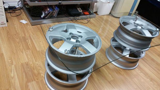 Подстолье для журнального столика из колёсных дисков