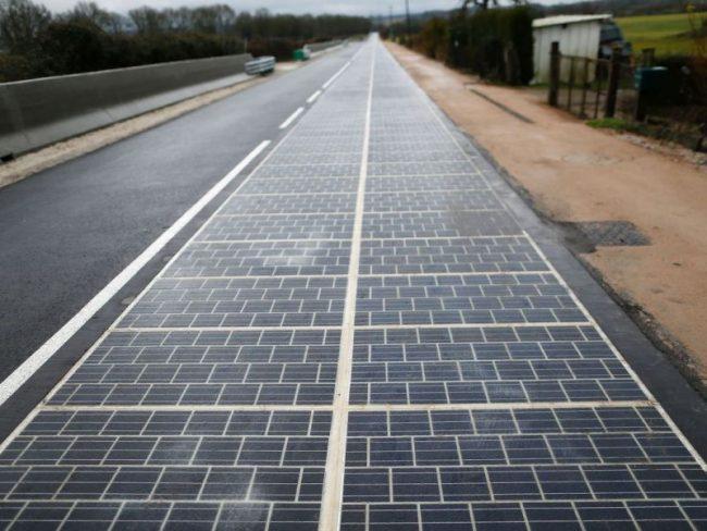 Дорога из солнечных батарей