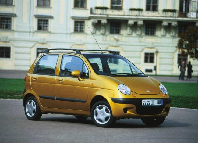Какую первую машину купить: 5 лучших моделей для водителей-новичков