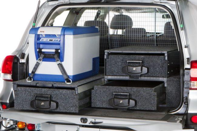 Ящики в багажнике