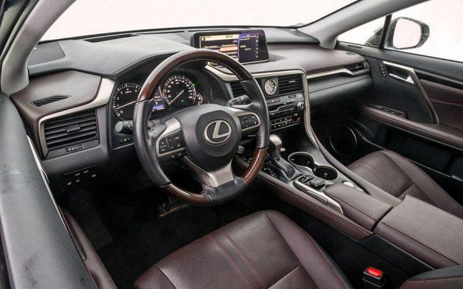Комфортный салон Lexus RX350