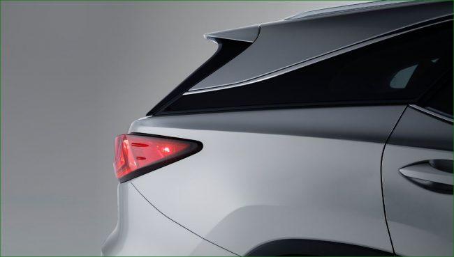 «Парящая» крыша Lexus RX350