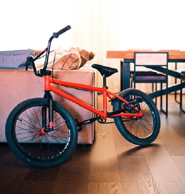 велосипед Мигеля из танцев
