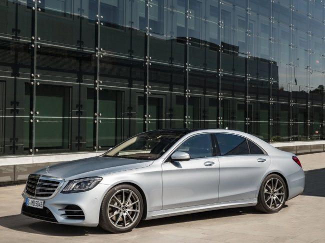 Машина Mercedes-Benz S-Class