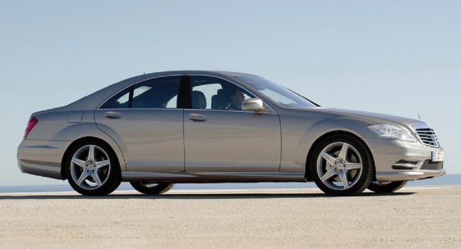 Mercedes-Benz S-Class сбоку