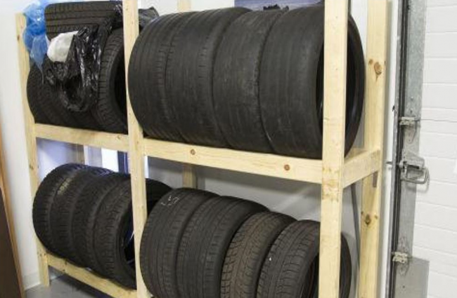 Хранение шин на стеллаже