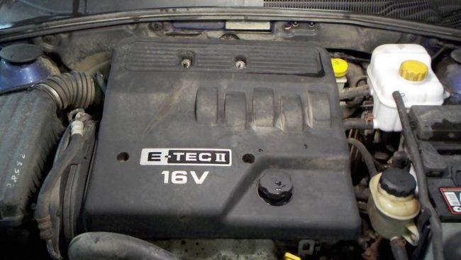 Двигатель автомобиля Шевроле Лачетти